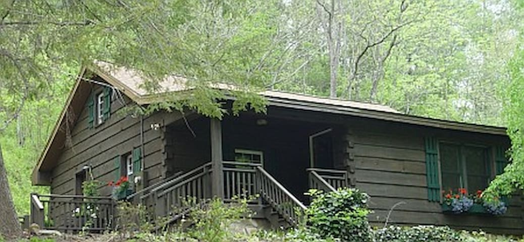 Alexander's Cabin on the Lower Flat Creek - Alexander - Cabana