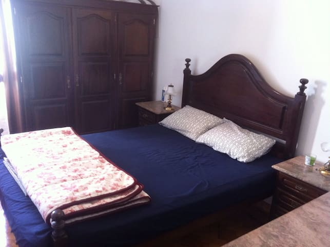 Private Double bedroom - Póvoa de Santa Iria - Huoneisto