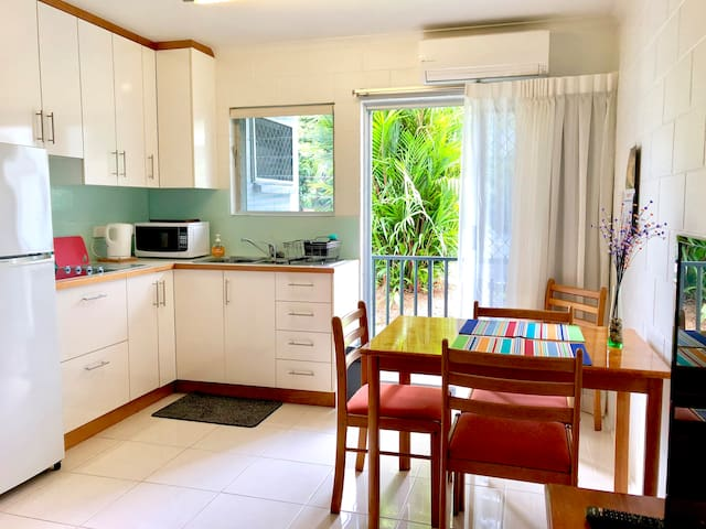 ❤️Immaculate Living Trendy Studio Close to Cairns!