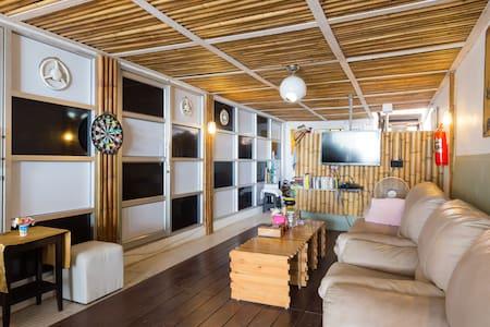 2W Beach Hostel,Ocean view 10 mixed - Ko Samui