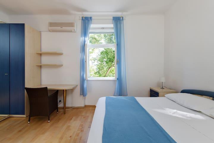 Split Apartment Bacvice