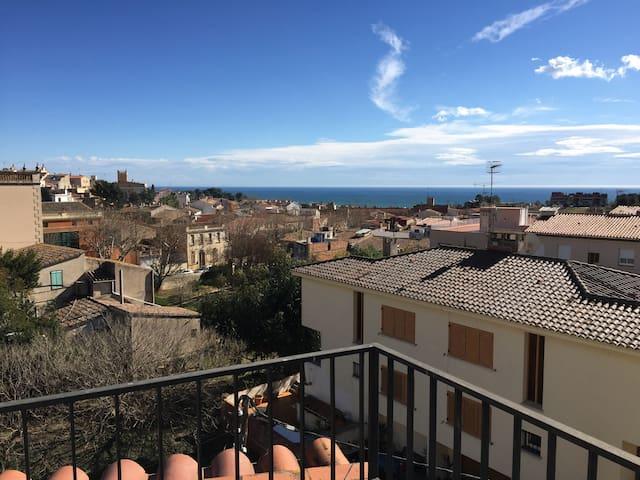 Atico con vistas al Mar y Montaña - Teià - Loft-asunto