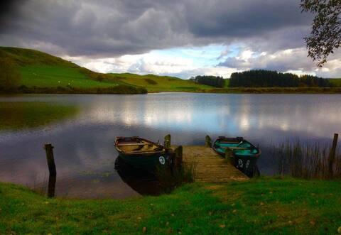 Výhľad na jazero, romantická skrýša.