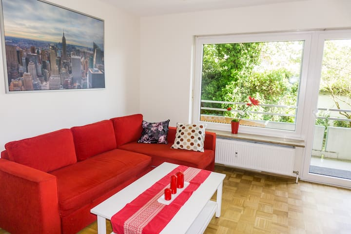 MODERN HOME IN TRANQUIL NEIGHBORHOOD