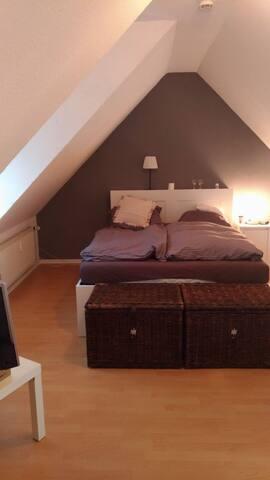 10 Min. Fuss zum Kalkberg! Schöne 50qm² Maisonette - Bad Segeberg - Apartemen
