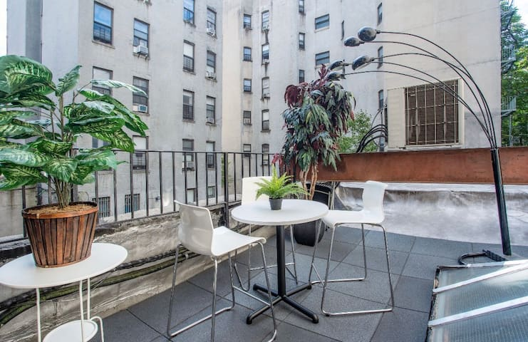 ✰Brand New✰ Luxurious Apartment w/ Private Patio
