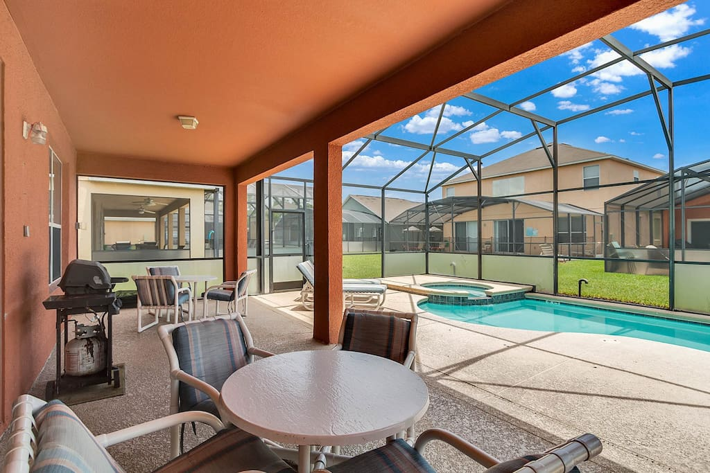 pool and covered porch