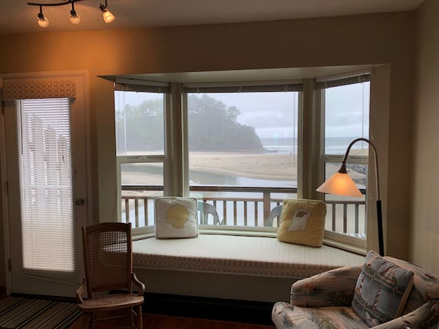 Sweet little condo for 2.  Neskowin Resort #304