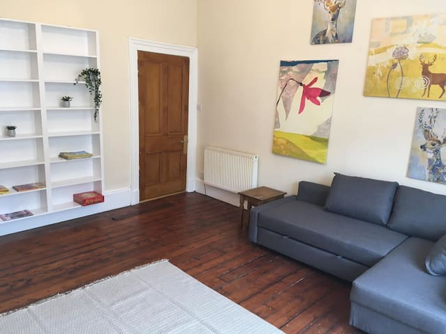 Vibrant 6 bed Finnieston Flat (West End Glasgow)