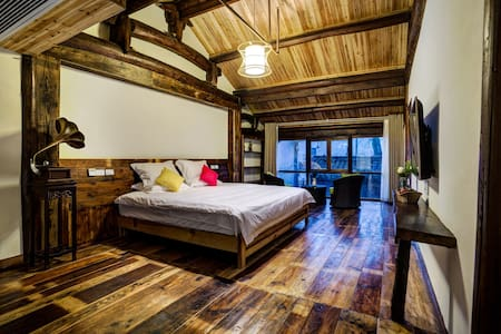 民国老宅,泥墙夯土,卯榫结构——莫干檐上深山 - Huzhou - Rumah Bumi