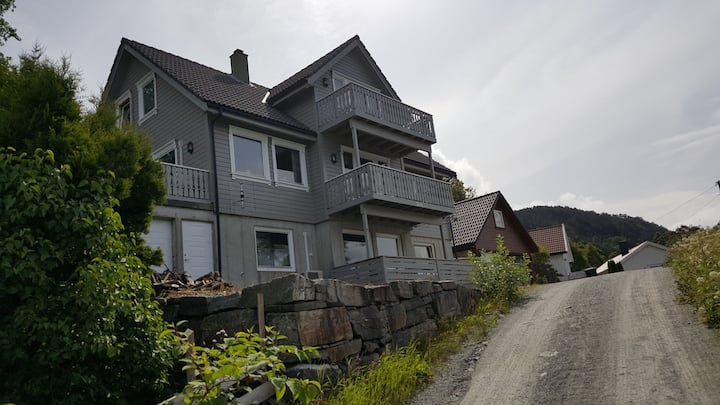 Apartment near sea and Preikestolen