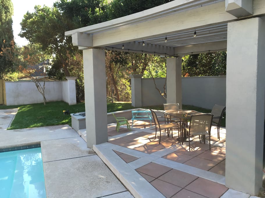 Covered shade arbor