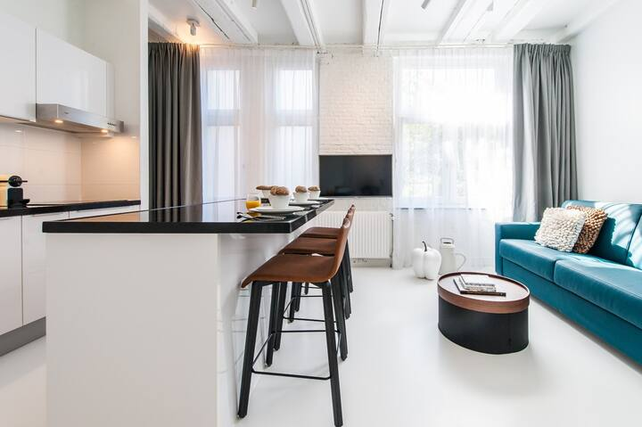 Cozy One-Bedroom Apartment at Yays Zoutkeetsgracht