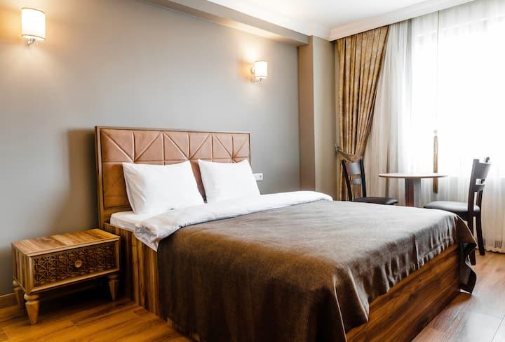 Cozy Room At Taksim Square +  Private Bath