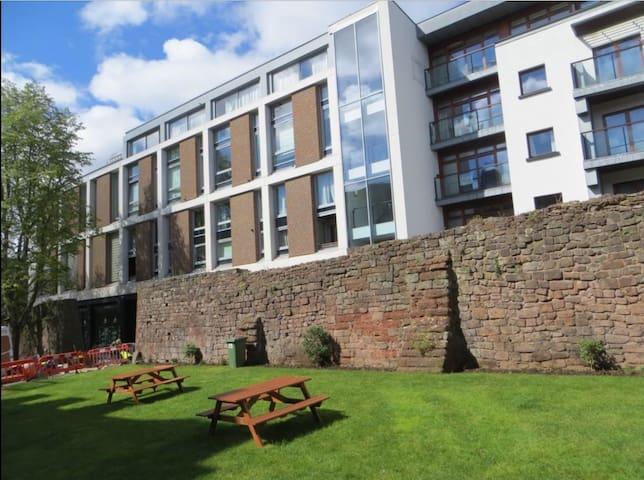 City Centre Modern Apartment - Exeter UK