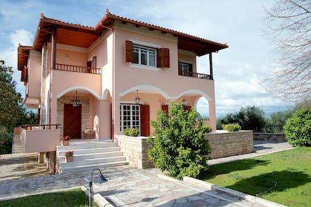 Stylish Villa in Messinia - Spilia