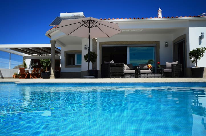 Villa Maria is a modern, spacious villa with the option to heat the pool
