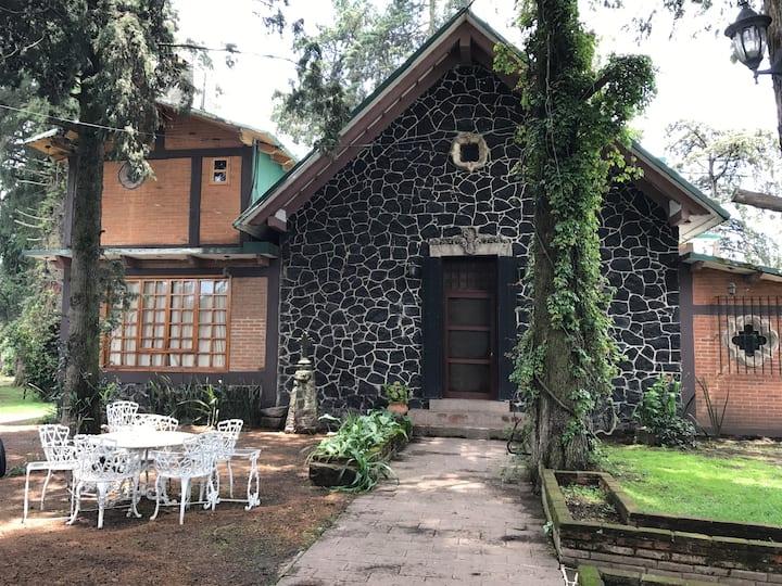 La casa de los volcanes / Volcano House