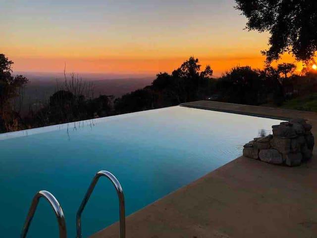 Casa rústica petfriendly c vista sobre o Algarve