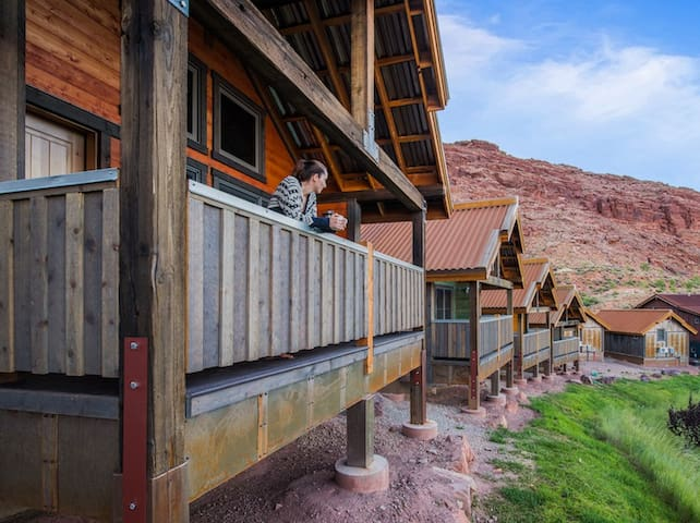 Premium Single Bungalow @ Moab Springs Ranch