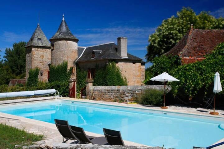 Chateau de Gamot avec piscine