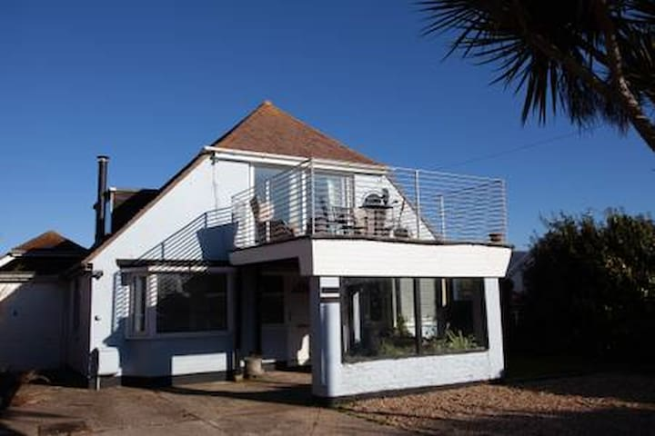 Dolphin Cottage Beach house in East Wittering