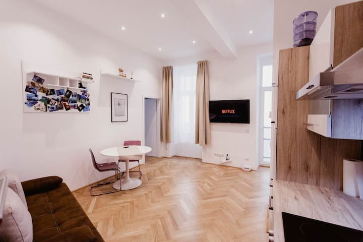 Friendly, bright and stylish 2-room apartment