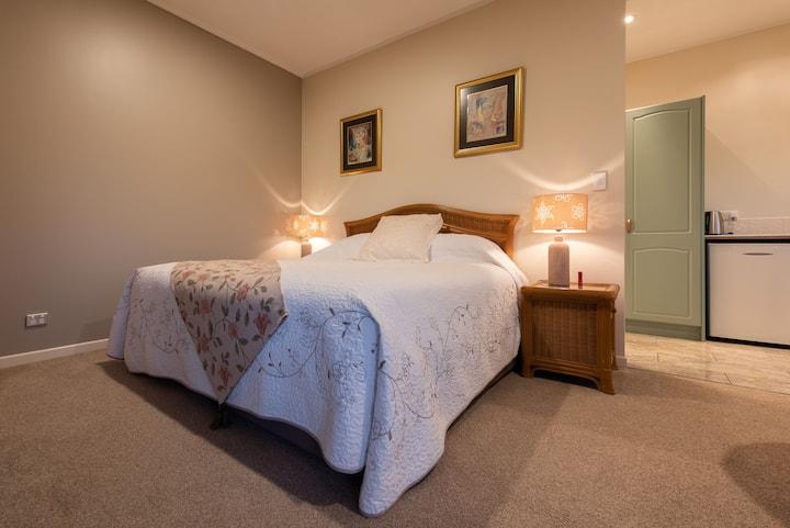 Appledore Lodge - Studio Apartment