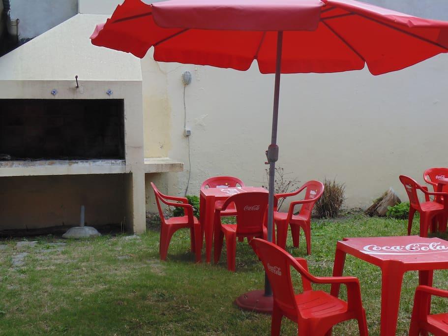 parque con churrasquero compartido