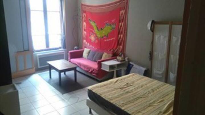 Loue appartement f1 meublé