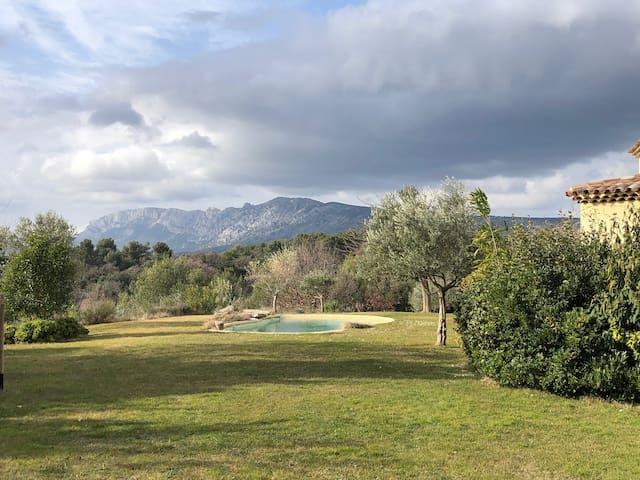 Magnifique maison de vacances à 20 minutes d'Aix