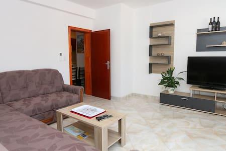 Apartment Fabijan - Lovište - วิลล่า
