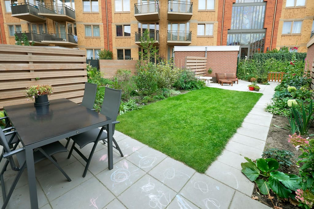 A great garden, perfect to enjoy your meals