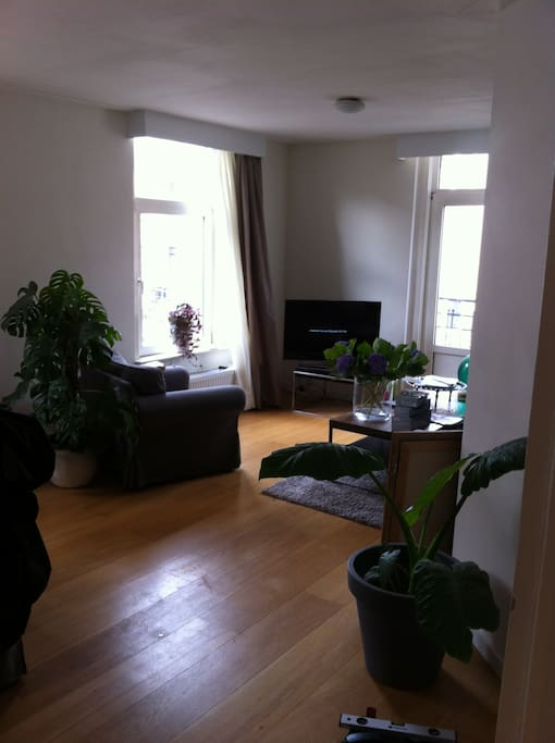 Apartment at 2nd floor with lots of ligth.