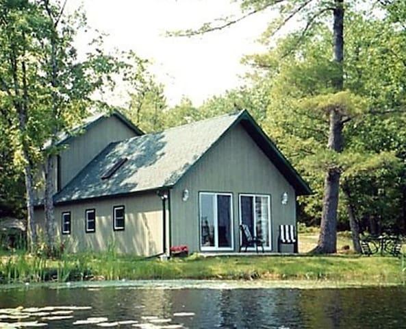 Angelfire Cottages- Log Cabin
