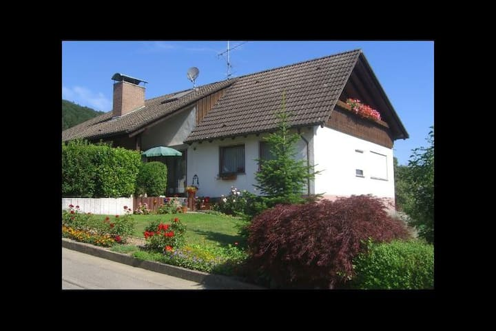 Holiday Apartment Erben with Mountain View, Balcony & Wi-Fi; Parking Available