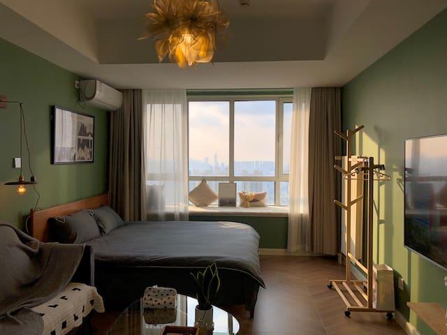 <大宝家>CBD万达 34 高层 浴缸 超舒适居家 房间已消毒 配备75% 酒精