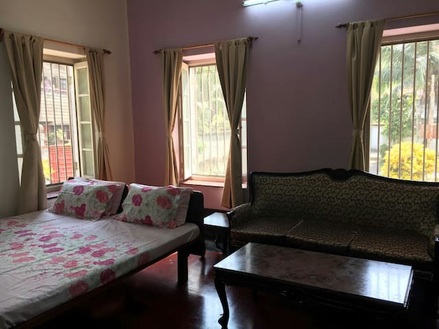 Dover Home Stay - The Victoria Room