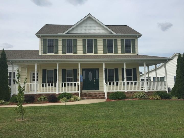 Bottom floor of family home! Close to DE beaches!