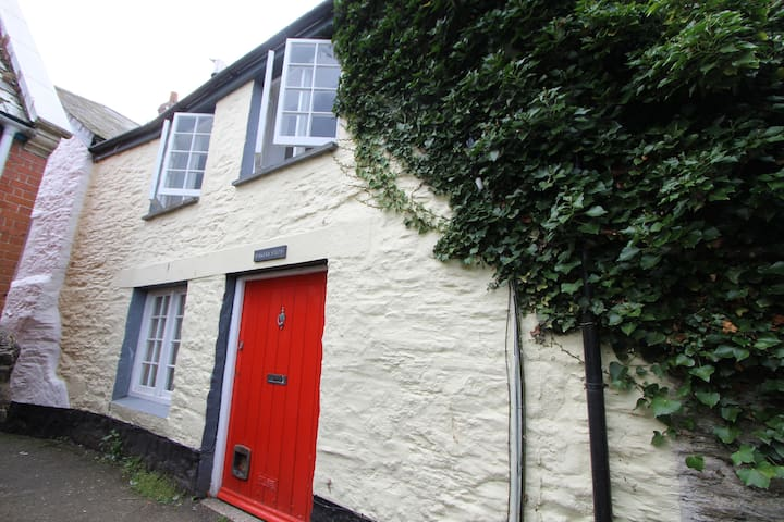 Charming Grade2-Listed 2Bed Cottage Central Fowey - Fowey - Dům
