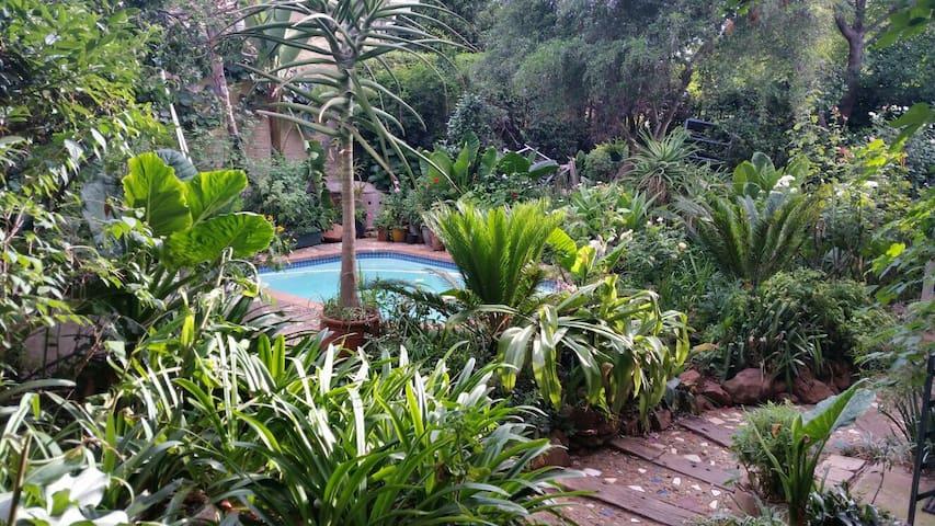 S/C Open-plan ROSE Cottage Melville - Johannesburg - Lejlighed