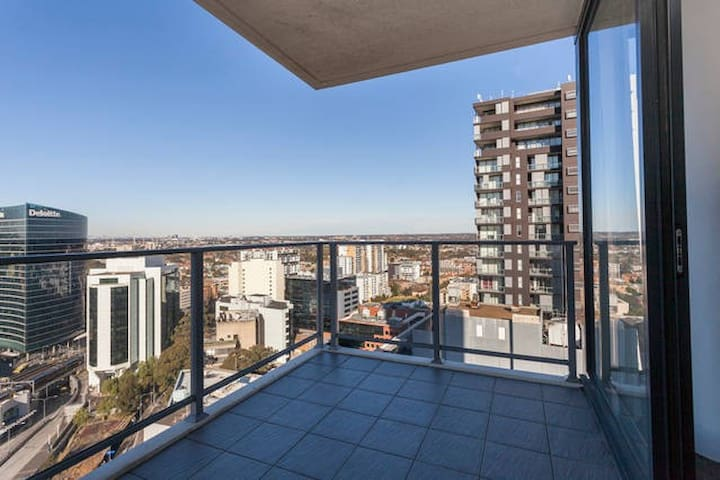 Cosy, convenient apartment (Close to station) - Parramatta