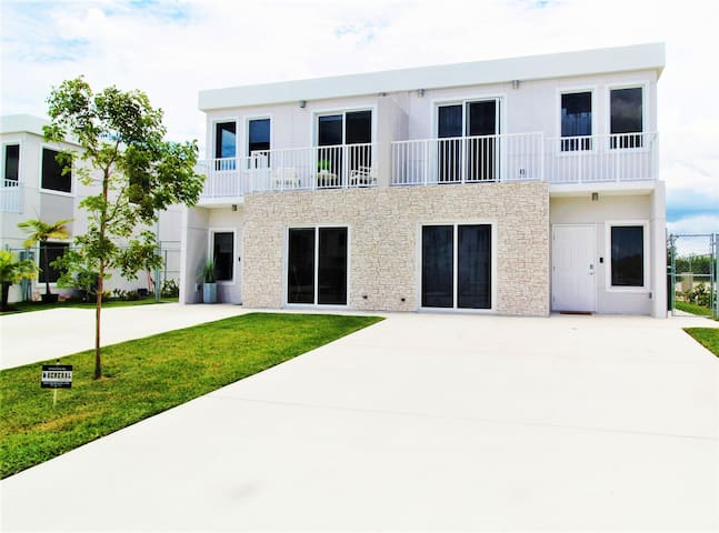 BEST Miami Promo! 4BR 4BA Home 100% Disinfected✧