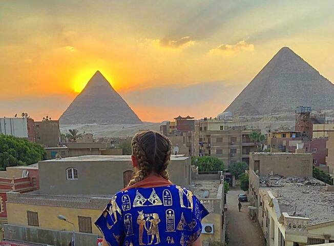 Pyramids view studios+free pick up+ free breakfast