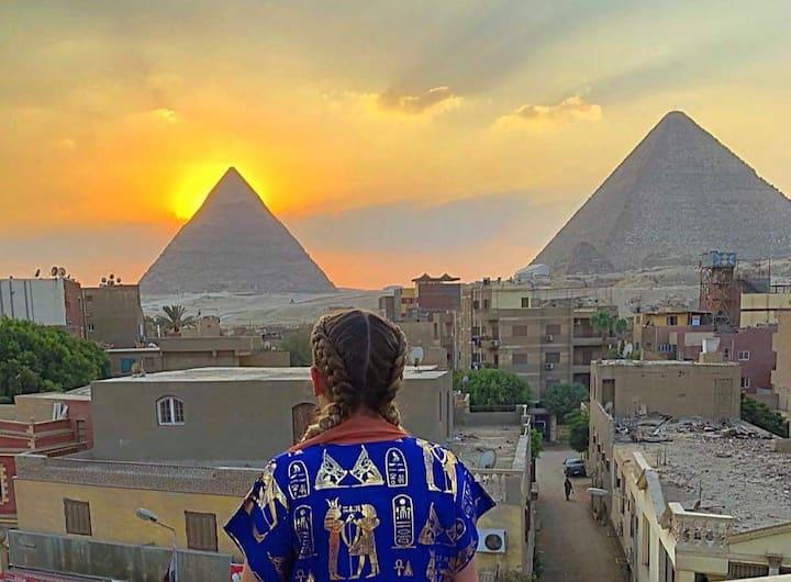 Pyramids view apt 4 groups+pick up+ breakfast+WiFi