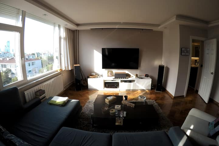 """Cozy and Stylish """"Room"""" in the hearth of Etiler"""
