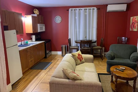 Cozy One Bedroom Setting in Downtown Wolfville