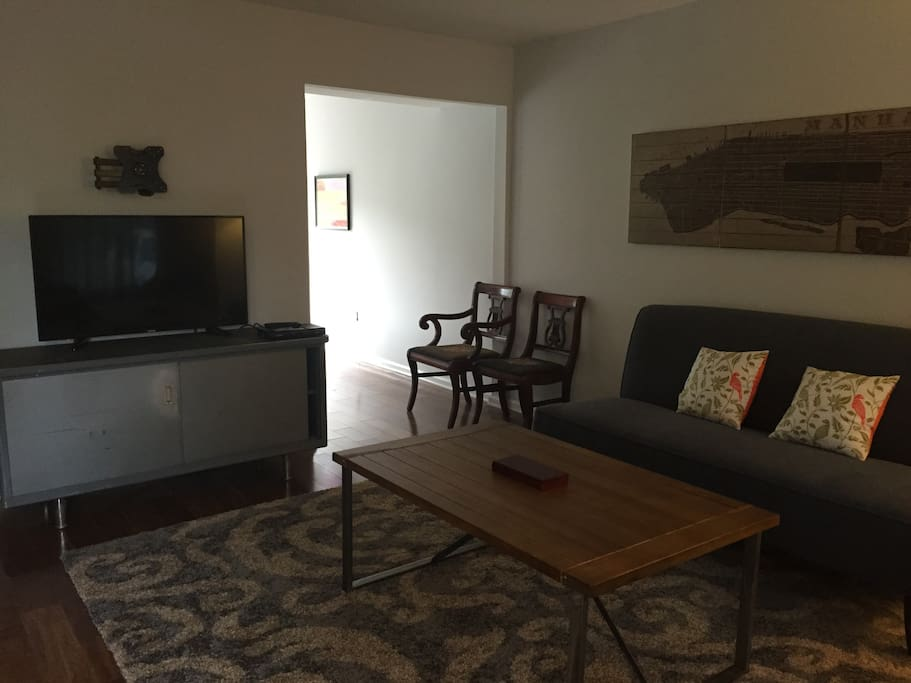 living room with cable TV and internet/wi-fi