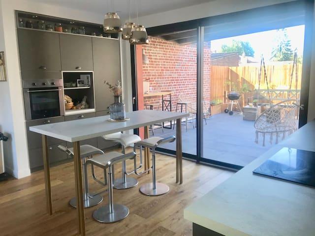Terrasse ensoleillée à 5 min du Vieux Lille
