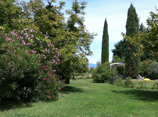 Maison de charme près d'Avignon - Althen-des-Paluds - Casa